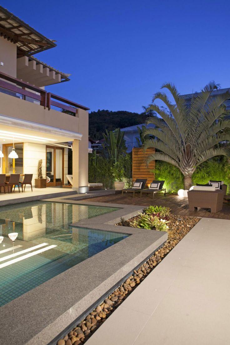 UBHouse by Paula Martins Arquitetura, Interiores & Detalhamento | HomeDSGN, a daily source for inspiration and fresh ideas on interior desig...
