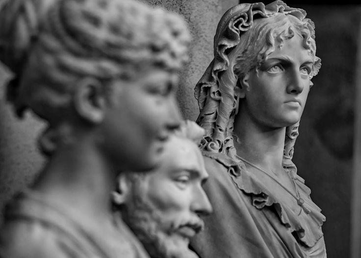 #SottoSopra Domenica 12 febbraio, scoprite i #depositi scultorei della #GAMMIlano, dove sta lavorando l'atelier di #restauro del #museo.  Le #visiteguidate sono a cura di Opera d'Arte.  Per prenotazioni: c.galleriadartemoderna@operadartemilano.it  tel. 02 88445947 (lun-ven 9.00-13.00) tel. 02 45487400 (lun-ven 9.00-17.00) Info: www.operadartemilano.it - Ph. Sara Cappelletti