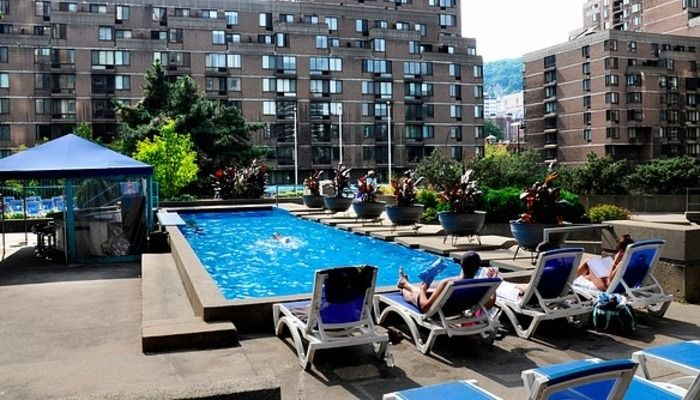 Les 25 meilleures id es de la cat gorie piscine sur le for Club piscine montreal locations