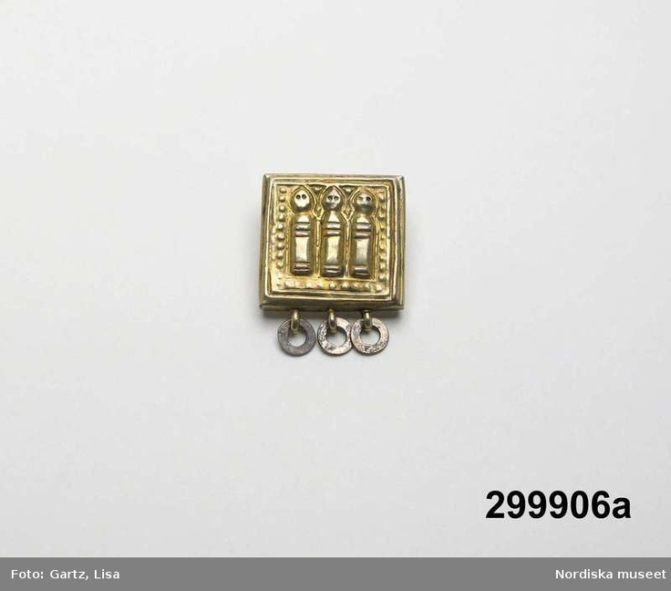 Bältesbeslag i silver från före år 1900, Gällivare, Lappland. Inkom NM 1976. Silver for belt from Gällivare, Lappland, made before year 1900.