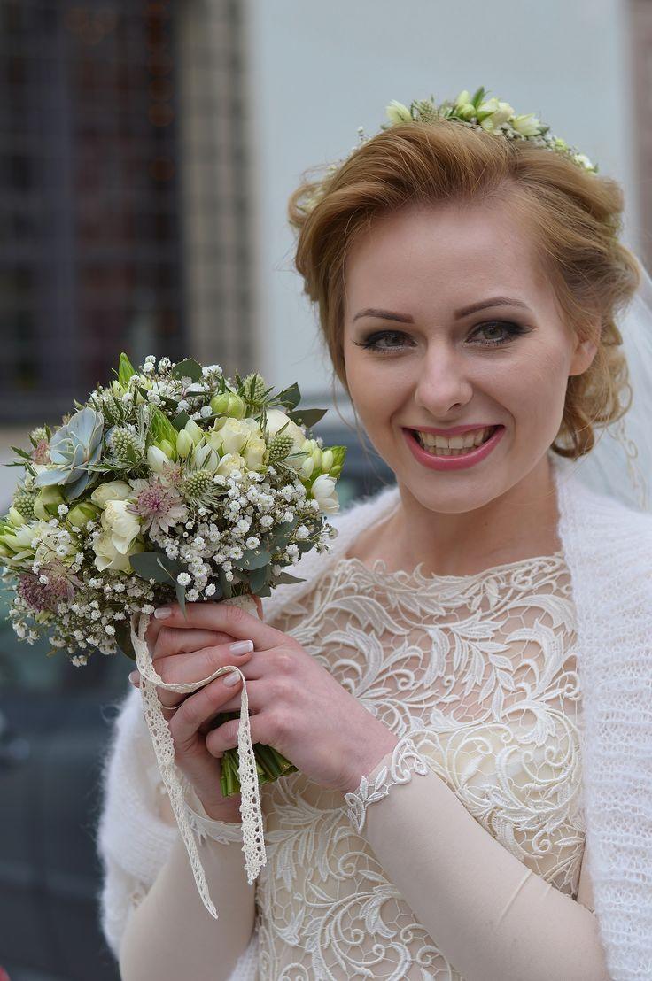 #wedding #weddingday #slub #bukiet #bukiety #bukietslubny #weddingbouquet #kwiaty #flowers #rustic #rusticstyle #pannamloda #bridal #whiteflowers #bielekwiaty #artemi #florystyka  www.artemi.com.pl