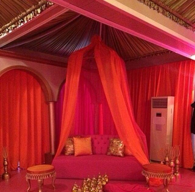 Henna night  decoration- kina gecesi masa dekorasyonu- pink- sparkle- yellow flowers-  table decor- event/ davet- nisan- birthday/ kina tahti - mor - purple- buse terim in kinasi- details- detaylar - kina davetiyesi- invitation card- sait halim pasa yalisi- turkiye- istanbul- turkey- kaftan- culture- white- hen party -parti- terim event- by fulya terim