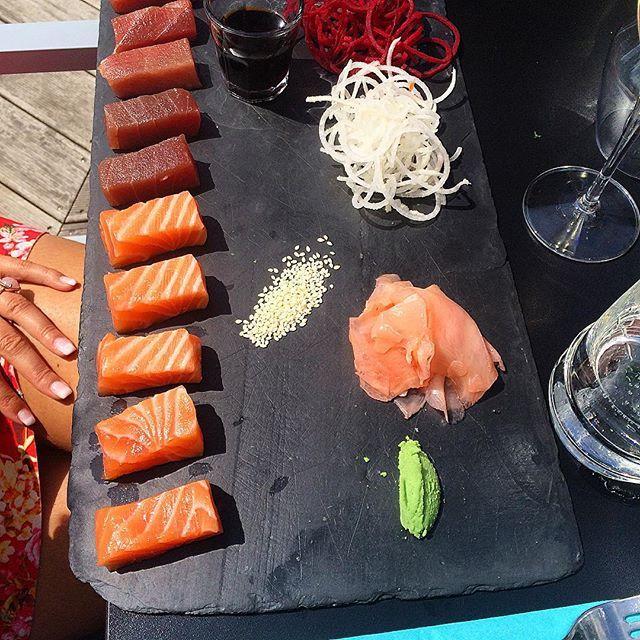 #latergram #resto #restaurant #thelodge #brussels #terrasse #summer #lunch #sashimi #tonijn #zalm #tuna #salmon #wasabi #healthy #food #foodlover #foodstagram #fan #like by virginiedeklippel