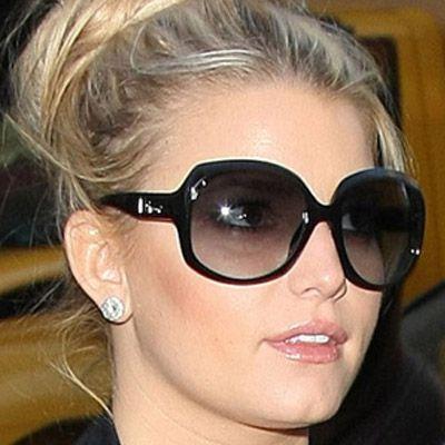 ιδανικά γυαλιά ηλίου για στρόγγυλα πρόσωπα