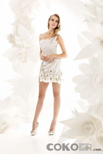 Korta-Brudklänningar-satin-champagne-modern-mini-asymmetriska-korta-bröllopsklänningar