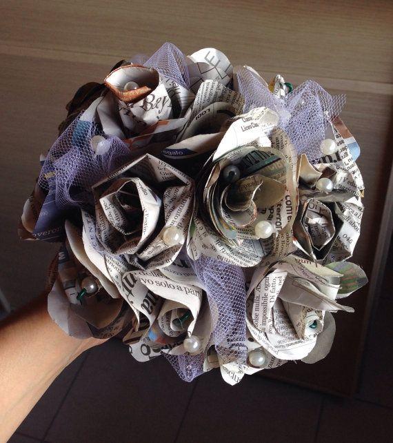 Oltre 25 fantastiche idee su fiori di carta di giornale su for Fiori di carta di giornale