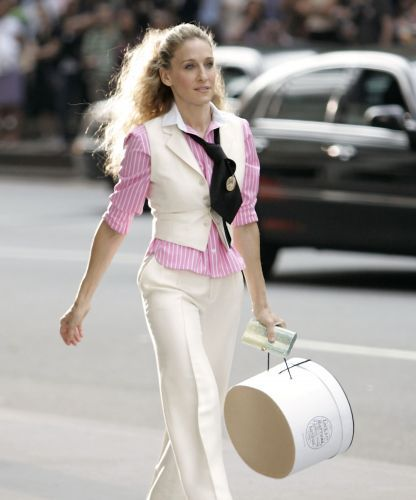 Proof That Carrie Bradshaw's Outfits Were Totally Unrealistic
