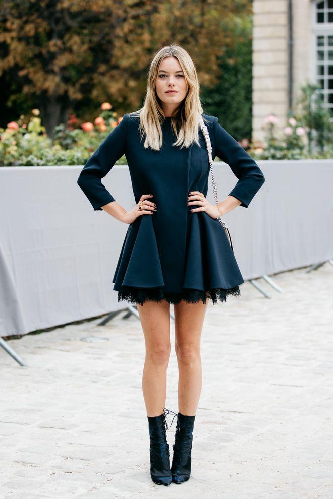 Street style à la Fashion Week printemps-été 2017: Camille Rowe Pourcheresse