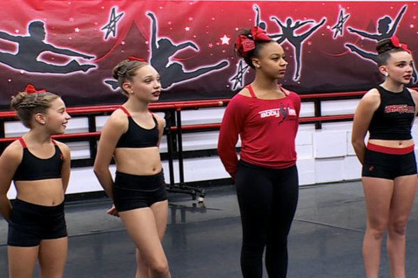 Watch Dance Moms Online - 99 Problems But a Mom Ain't One | Hulu