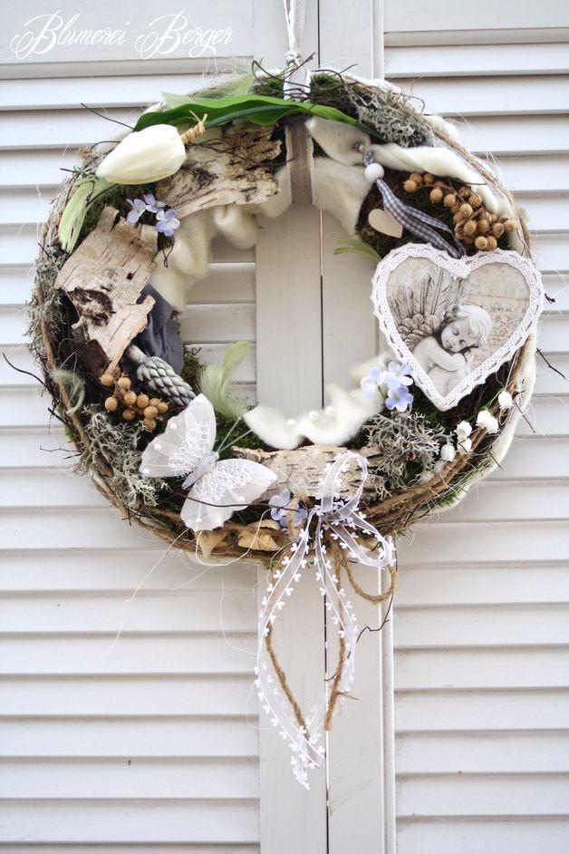 Türkränze - :::: Frühlingstürkranz Engelsträume :::: - ein Designerstück von BlumereiBerger bei DaWanda