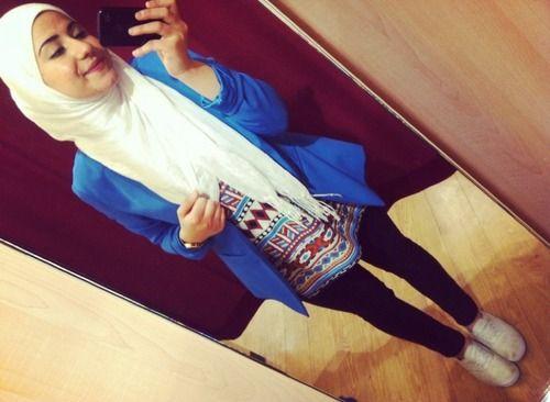 LOVE those patterns, and the color of the blazer. Found on street-hijab-fashion.tumblr.com via Tumblr.