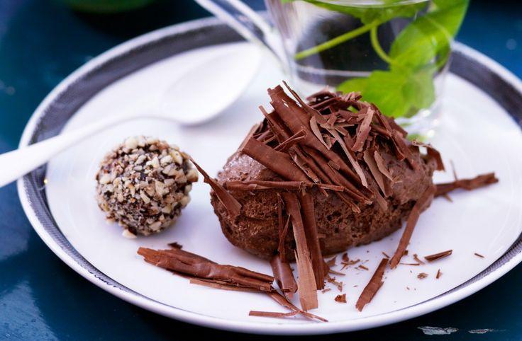 Recept på chokladmousse. Äggvita i stället för grädde ger högre proteinhalt och låg fetthalt.