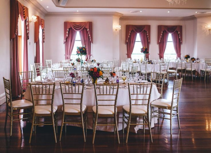 Natural light and beautiful table decor in the Regency Room