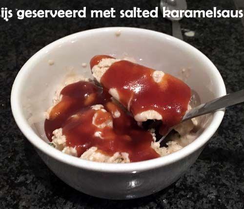 #IJs met #karamelsaus van suiker, slagroom en roomboter met een verassende kwinkslag door de toevoeging van een beetje zout. Dus zoete gezouten #karamel.