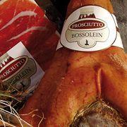 Valle d'Aosta – Bossolein: classico prosciutto per un buon antipasto all' italiana, oppure con il melone, o con il fico, si sposa con una fetta di fontina o un pezzo di reblec, va servito fresco con pane nero e burro, gradisce una spruzzata di pepe sopra la fetta per esaltarne gli aromi semplici e primordiali. Consigliato un vino bianco valdostano fruttato, è superbo con il moscato secco di Chambave.