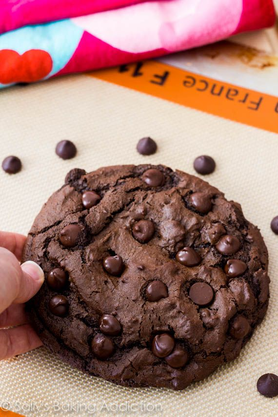 1 XXL Death by Chocolate Cookie - recipe for only 1 huge cookie