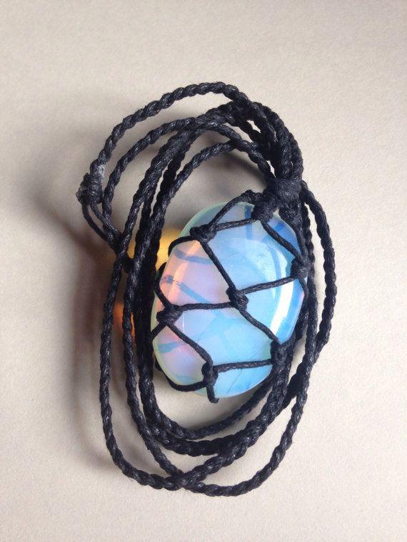 Schnur gewickelt heilende Crystal Halskette von LonelyMoonChild