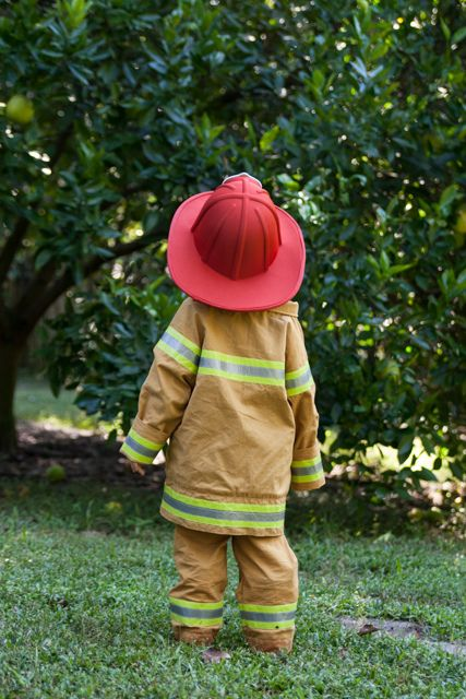 Did you see the cute fireman coat I made and shared over on Pattern Revolution  today? I am sharing the other half of that costume, the bun...