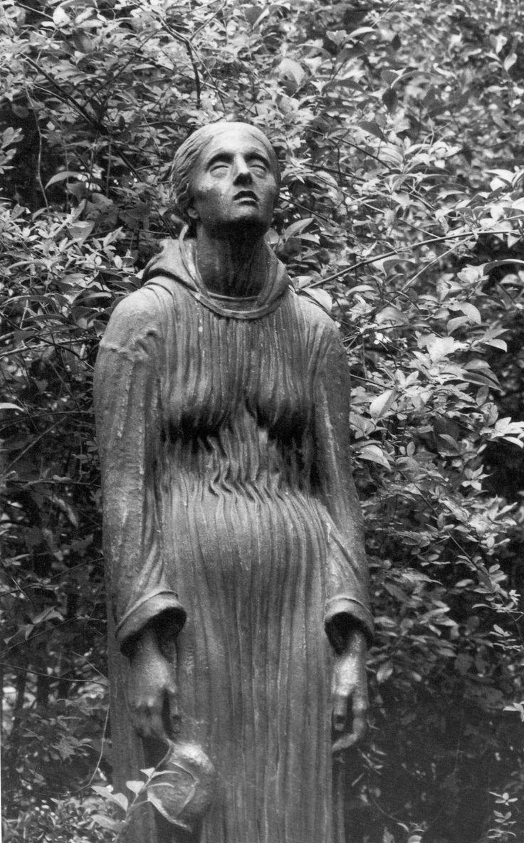 #Staglieno - scultore Eugenio Baroni - Tomba Berthe Grosso Bonnin, 1921
