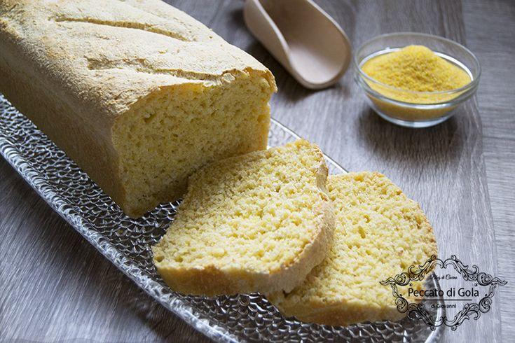 Rustico e saporito pane con farina di mais, una ricetta perfetta per prepararlo in casa e respirare l'odore caratteristico di un buon lievitato homemade!