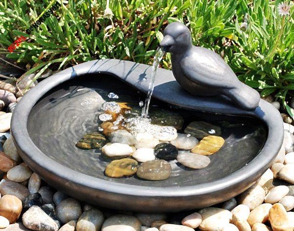Bahçelerde Küçük Süs Havuzu gülser