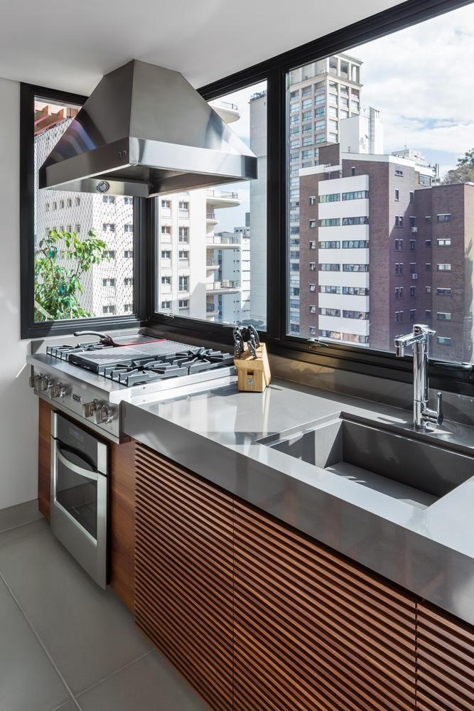 Uma boa opção desde casa a apartamentos, os misturadores Blukit são práticos e funcionais, tornando o ambiente familiar ainda mais aconchegante.  http://blukit.com.br/produto/detalhe/torneira-de-mesa-de-1-4-de-volta-1