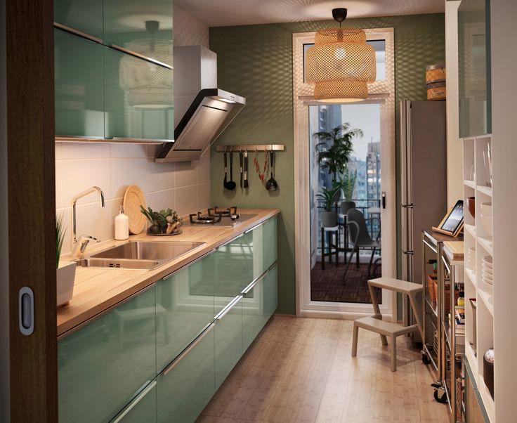 Zielona nowowczesna kuchnia IKEA