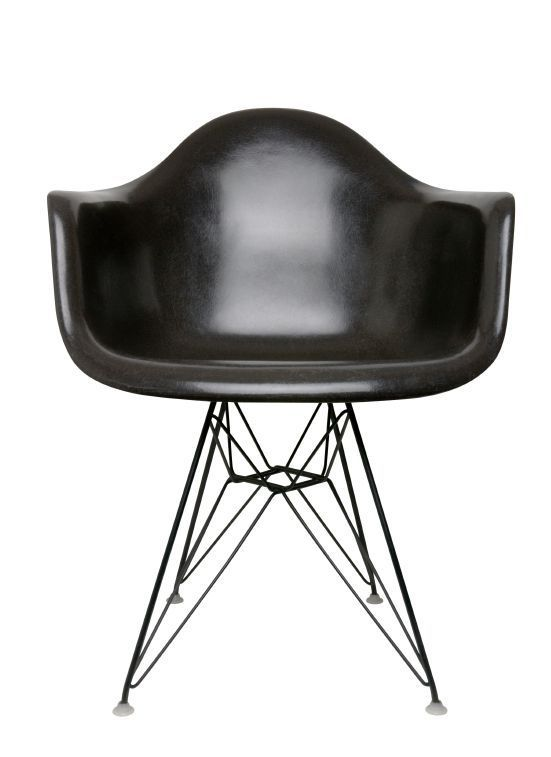 Eames Dar Chair by Charles & Ray Eames.
