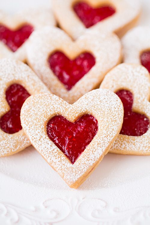 Linzer Cookies 25+ Heart-Shaped Food Ideas | NoBiggie.net
