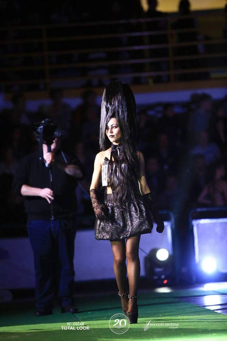 OSCAR TOTAL LOOK   Dark Model   Lady_Boleyn