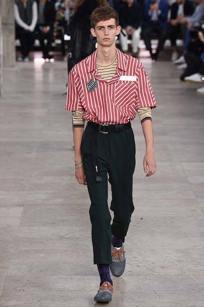 Lanvin Spring 2017 Menswear Fashion Show. Belted, straight leg crop. Boxy striped camp shirt.ho