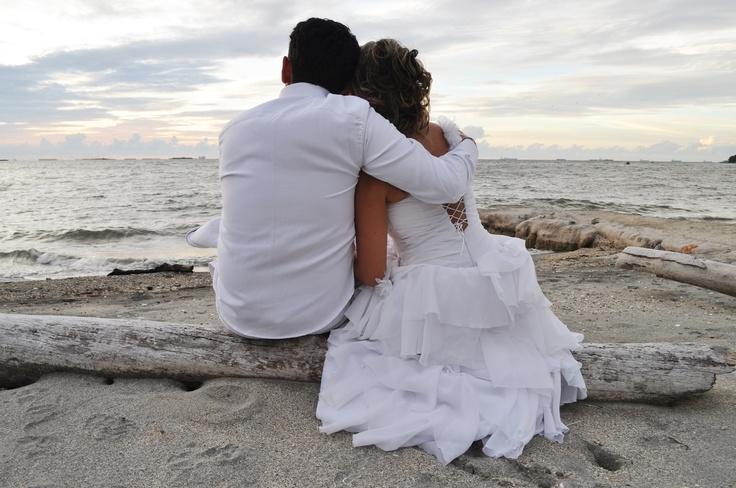 Beach Wedding. Santa Marta, Colombia  www.snapit.com.co  #wedding
