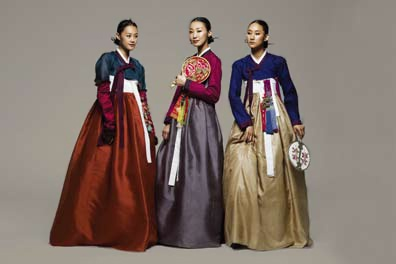 The creations of fashion designer Lee Young-hee (Hanbok)