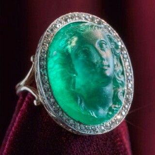 That face...  Carved emerald, c. 1850 via @eleuteri