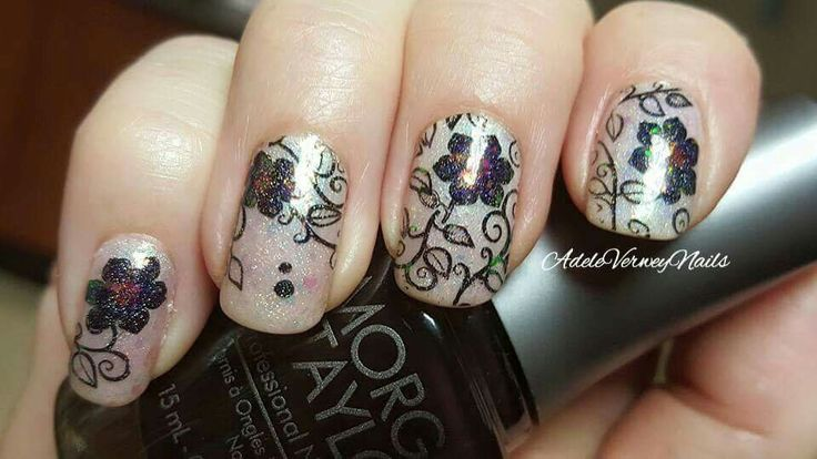 DRK XL Designer 1 #drkstampingplate #leadlightnails #adeleverweynails  #lovenailart #repost #floralnailart #stamping #nailsoftheday #nailpolishaddict #stampingart  #nailartwow #dreamnails