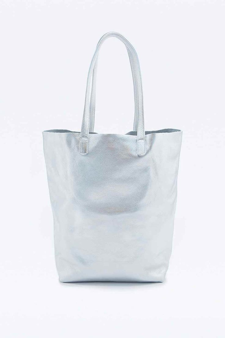 Silver leather tote bag uk - Baggu Basic Leather Tote In Silver Urban Outfitters