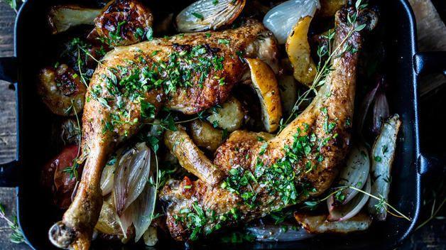 Ovnsbakte kyllinglår med jordskokk, sjalottløk, eple og sitron