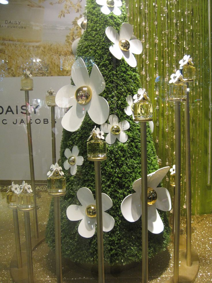 Marc Jacobs Daisy Perfume Display by Elemental Design ...