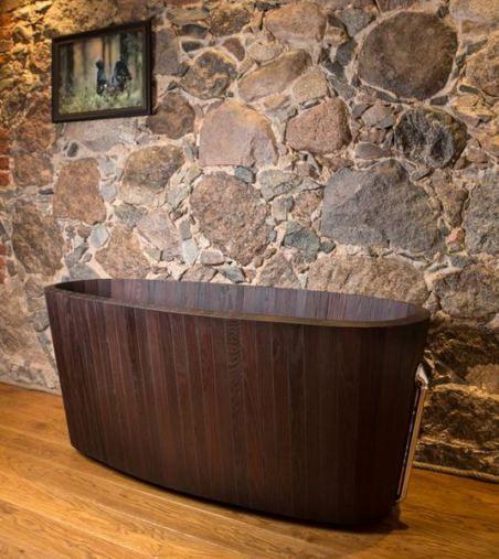 Bathtub made of fine hand-cut wood from Baltic
