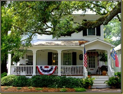 I dream of front porches like this! See my Dream Porches Board!