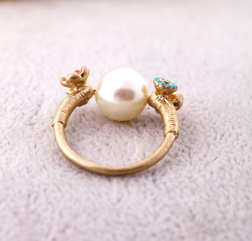 Fashion Gold Color Flower Pearl Ring
