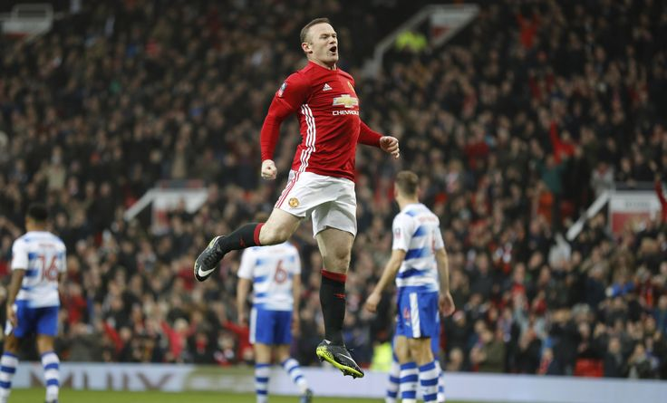 @manutdoff Wayne #Rooney pulls level with Sir Bobby Charlton as #ManUnited's record scorer 9ine