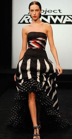 Men vilken vacker klänning Emilio Sosa skapade!!! Verkligen en klänning som jag skulle vilja ha på mig! VILL HA!