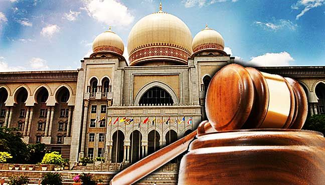 Apex court to decide if voters can challenge gazetted electoral roll   Federal Court says the legal questions posed need further argument as they are of public importance.  PUTRAJAYA: The Federal Court will decide whether aggrieved voters legal challenge against the Election Commission (EC) begins from the time of a gazette notification or communication by letter.  This question came up after a three-man bench led by Chief Judge of Malaya Ahmad Maarop allowed the ECs leave application to…