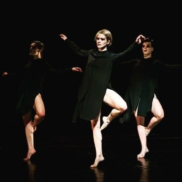 Teatr tańca: Płaczki / Grupa Wokół Centrum (NCK). #encek #kulturaKRK #contemporary #dance #dancers #stage #theatre #art #movement #taniec #teatr #ruch @kccnck