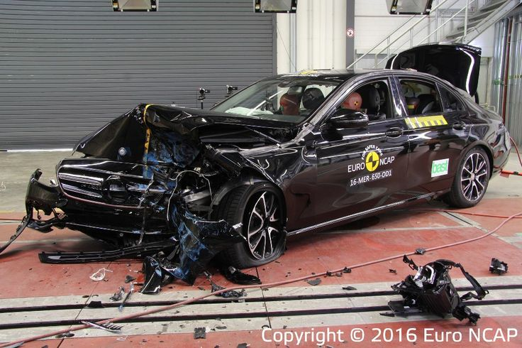Bardzo udany test bezpieczeństwa dla Mercedesa https://www.moj-samochod.pl/Testy-samochodow/EuroNCAP-kolejne-samochody-spotkaly-sie-ze-sciana #Mercedes #EuroNCAP #Crashtest