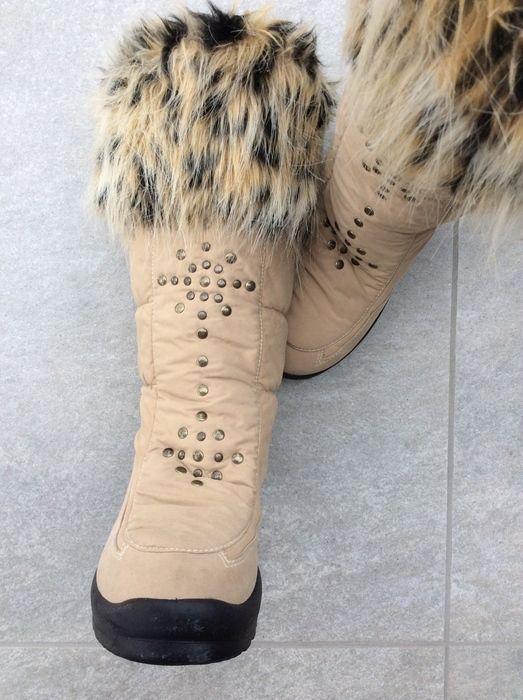 Mein Winterstiefel beige/braun mit Pelz / Gr. 36 wie neu von ! Größe 36 für 33,00 €. Sieh´s dir an: http://www.kleiderkreisel.de/damenschuhe/stiefel/140070626-winterstiefel-beigebraun-mit-pelz-gr-36-wie-neu.