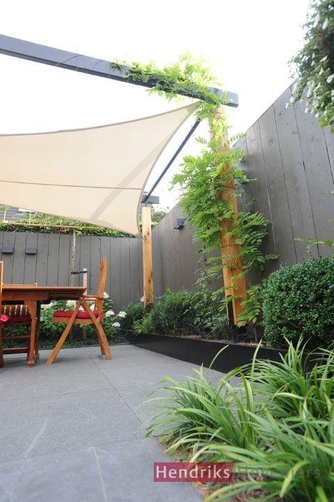 Kleine moderne achtertuin