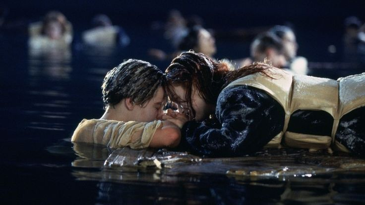 """Leonardo DiCaprio (Jack) e Kate Winslet (Rose) em cena de """"Titanic"""", de James Cameron"""