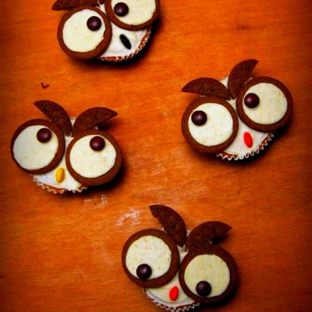 Owl cupcakes!Birthday Parties, Owls Cupcakes, Parties Cake, Cake Decor, First Birthday, Owl Cupcakes, Savory Recipe, Balloons, Cupcakes Rosa-Choqu